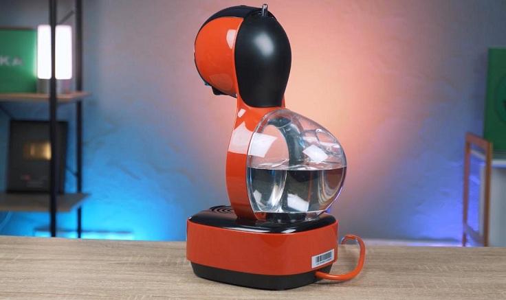 Как и две предыдущие модели, эта кофеварка сама отключается