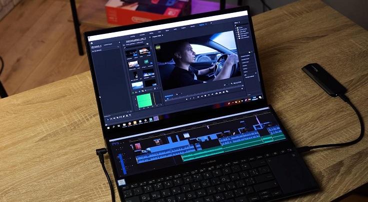 Ещё на двух экранах очень удобно монтировать видео.