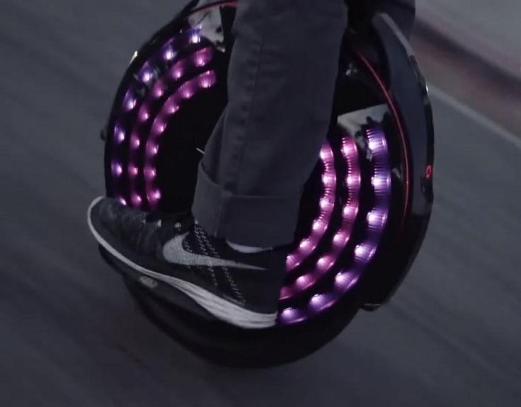 Моно-колесный электрический скутер