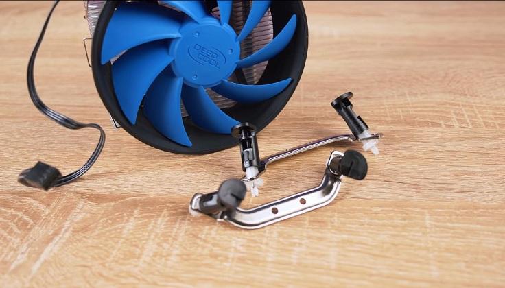 Пара скоб с втулками предназначена для крепления под платформы Intel