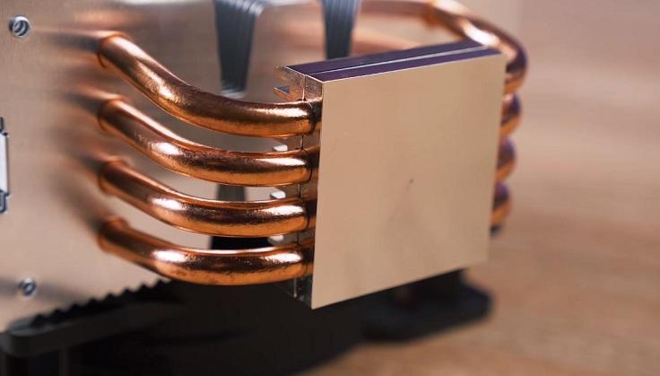 4 медные тепловые трубки диаметром 6 миллиметров запрессованы в медное никелированное основание