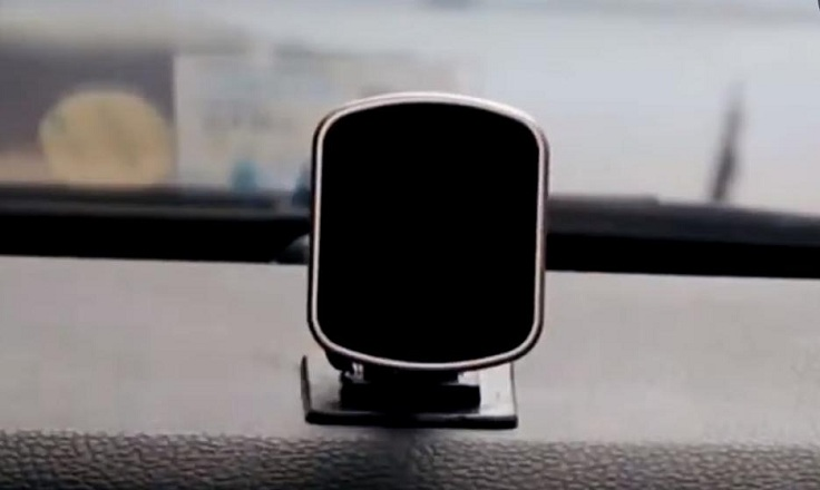 Магнитный кронштейн для телефона