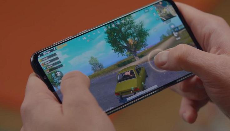 Игры идут на средних - это не совсем игровой смартфон