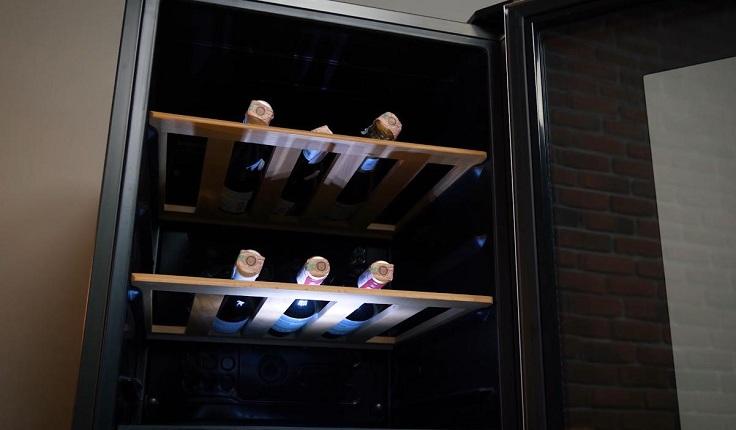 Современные шкафы, как телохранители, защищают вино от его главных врагов
