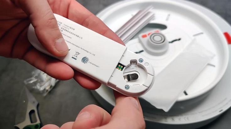 С пульта можно включать и выключать лампу без использования физического выключателя