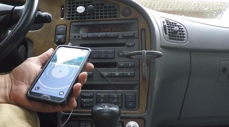 Кассета обладает штекером mini jack 3.5 мм, внедряемым в телефон либо иной гаджет