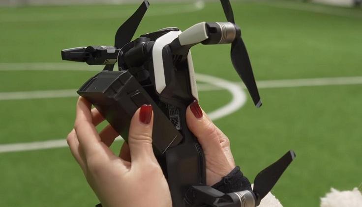 Все дроны DJI до Mavic Mini имели быстросъемную батарею, которая просто вщелкивалась