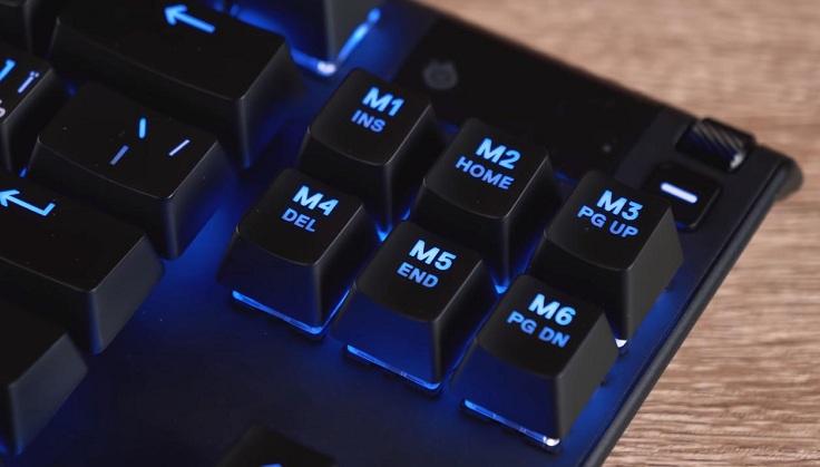 И, так как это короткая клавиатура, пришлось пожертвовать тремя клавишами