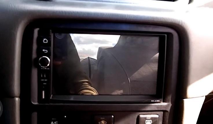 Камера заднего вида с датчиками парковки