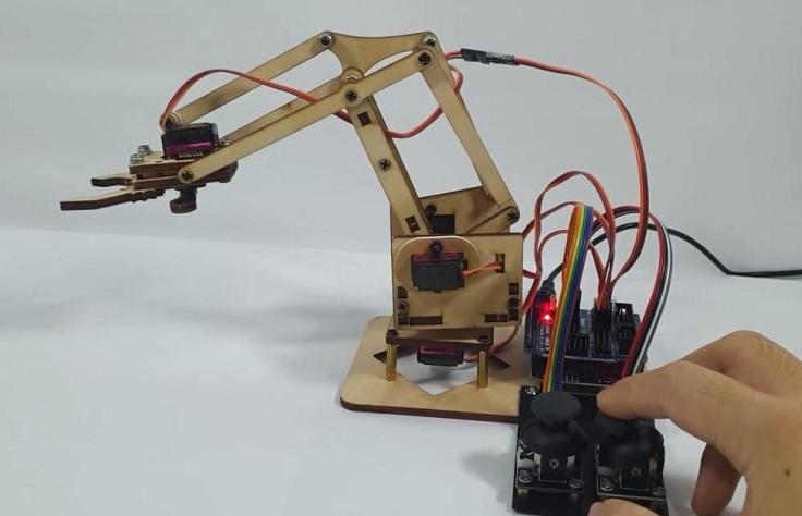 Механическая рука робота