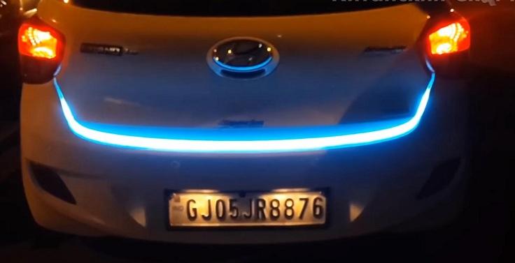 Подсветка просвета багажника с бегущими поворотниками