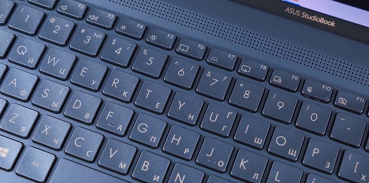 Клавиатура здесь не совсем привычная современному юзеру