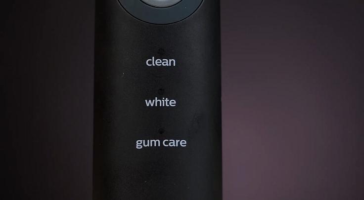 Режимов три: Clean, White, Gum Care