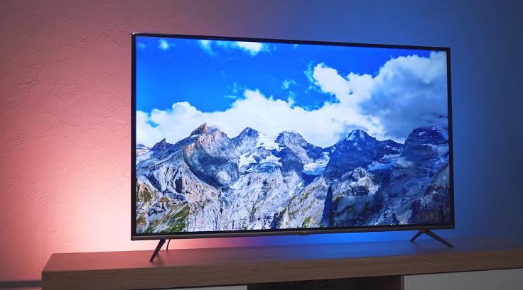 В телевизоре устанавливается VA-матрица с разрешением Ultra HD