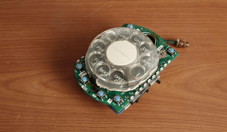 Смартфон или, скорее, телефон, создан на базе Arduino Micro