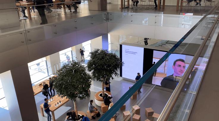 Apple Store место, где люди могут прийти и потусить, поболтать с консультантами