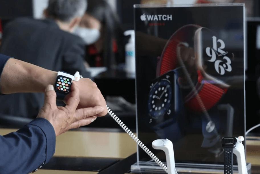 Известный китайский техно-аналитик Минг-Чи Куо из предсказал, что технологический гигант Apple анонсирует следующее поколение ноутбуков MacBookиумных часовApple Watch уже вследующем году