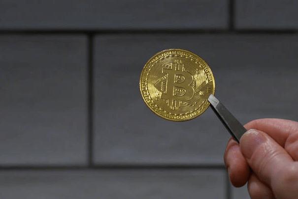 Майнеры биткоина получают $1 млн каждый час