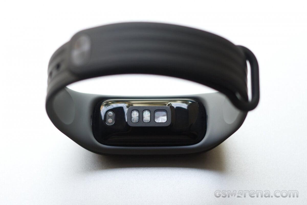 Обзор OnePlus Band, сравнение с другими брендами
